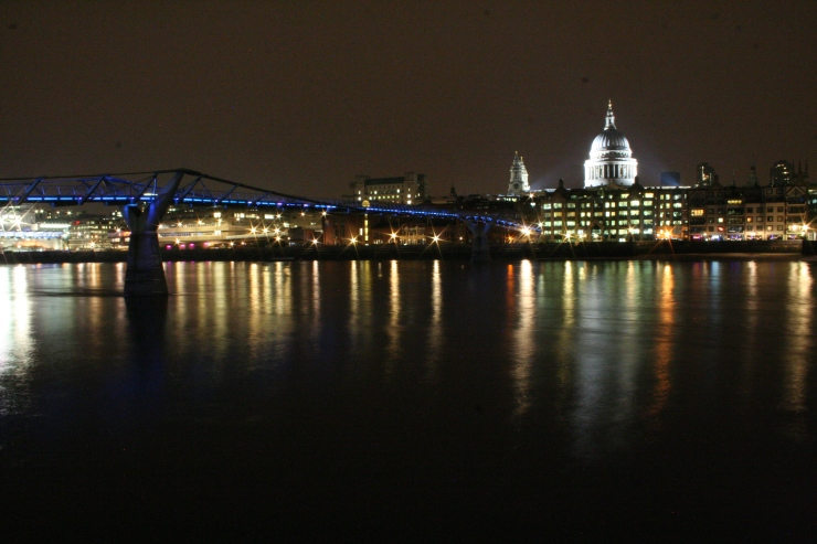 The Thames at Night