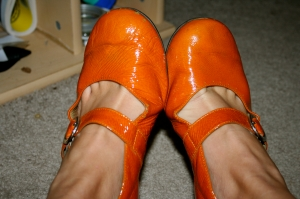 I love my old-ass orange shoes! I dug them out this week and hadn't worn them in three years.