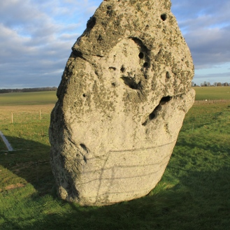 The heel stone, a naturally-occurring stone brought by glaciers.